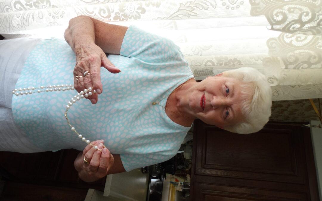 Making Rosaries with Prayer